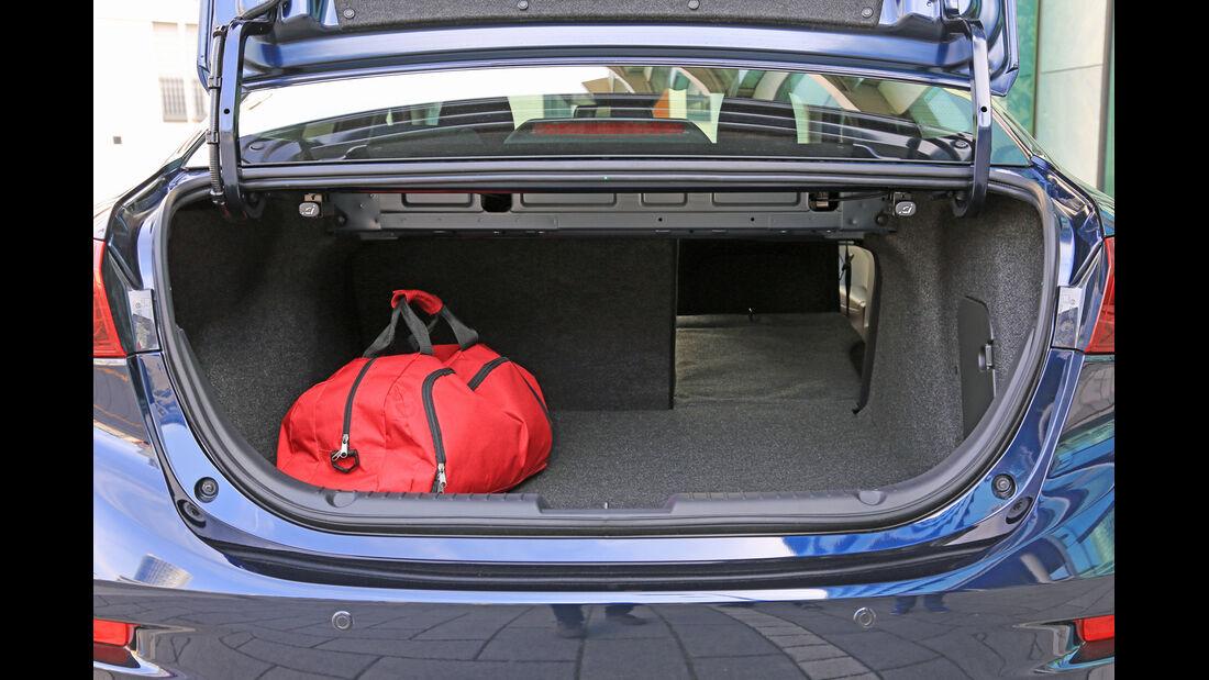 Mazda 3 Skyaktiv-D 150, Kofferraum