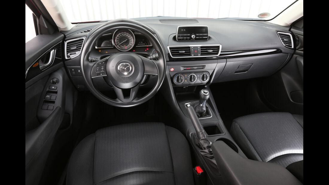 Mazda 3 Skyaktiv-G 100, Cockpit