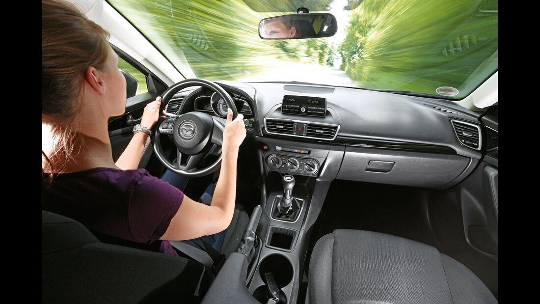 Mazda 3 Skyaktiv-G 100, Cockpit, Fahrersicht