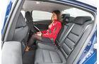 Mazda 6 2.0i, Rücksitz, Beinfreiheit