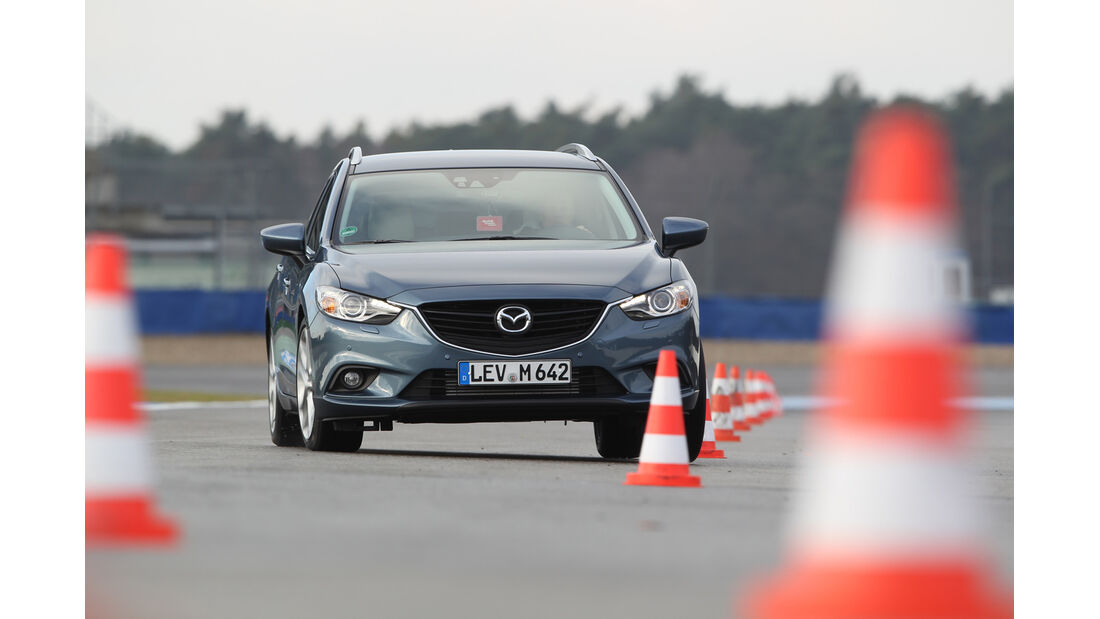 Mazda 6 2.2 D, Frontansicht, Slalom