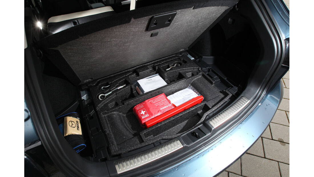 Mazda 6 2.2 D, Kofferraum, Erste Hilfe