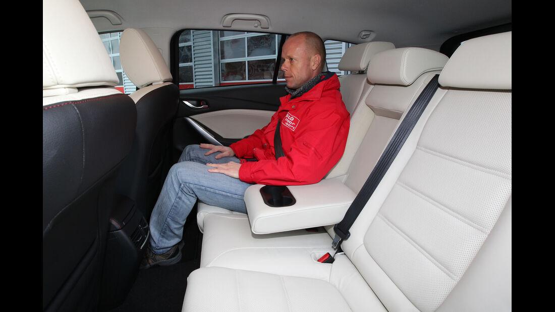 Mazda 6 2.2 D, Rücksitz, Armlehne
