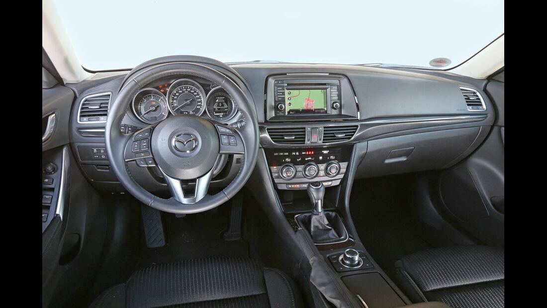 Mazda 6 Kombi 2.2 L D, Cockpit