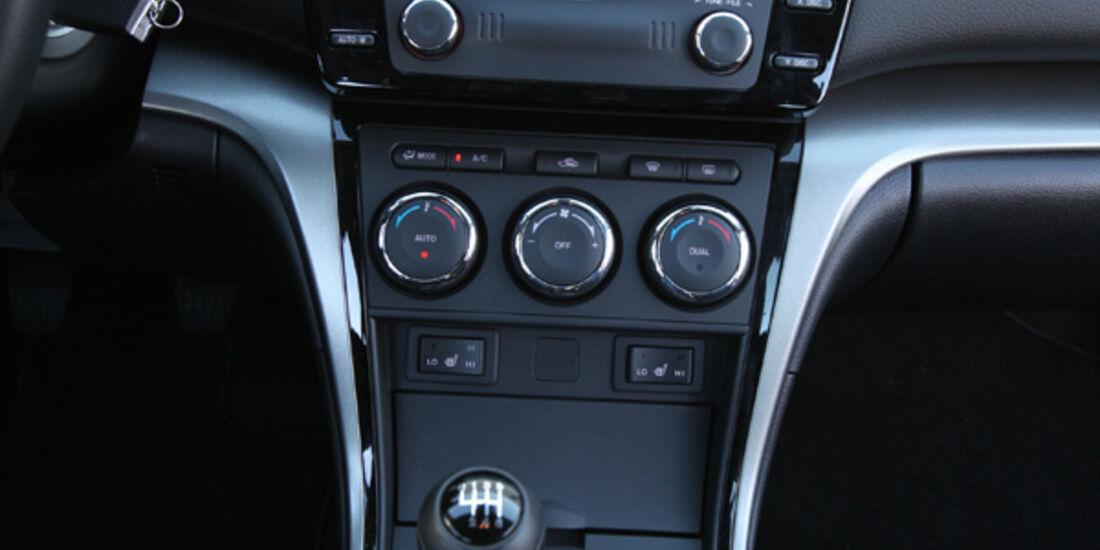 Mazda 6 Kombi 2.2, Mittelkonsole