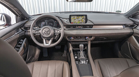 Mazda 6 Kombi, Interieur