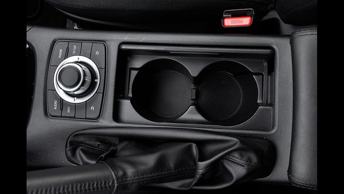 Mazda 6 Kombi, Mittelkonsole, Getränkehalter