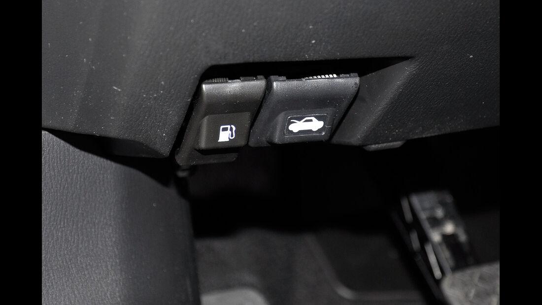 Mazda 6 Kombi, Tankklappenöffner, Motorhaubenöffner