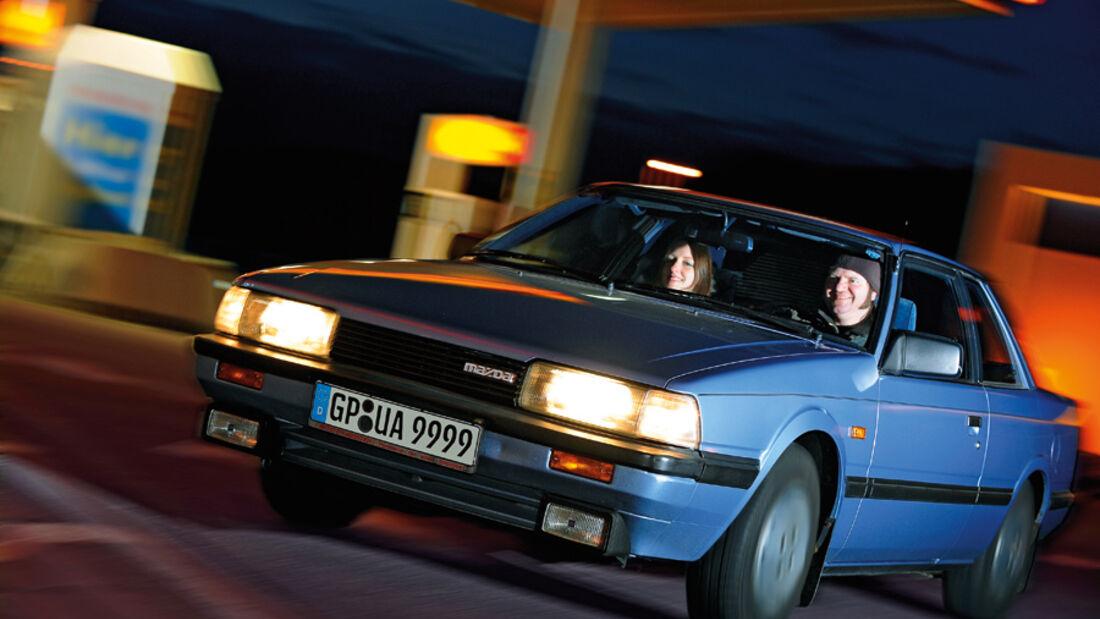 Mazda 626 Coupé 2.0 GLX bei Nacht - Frontansicht