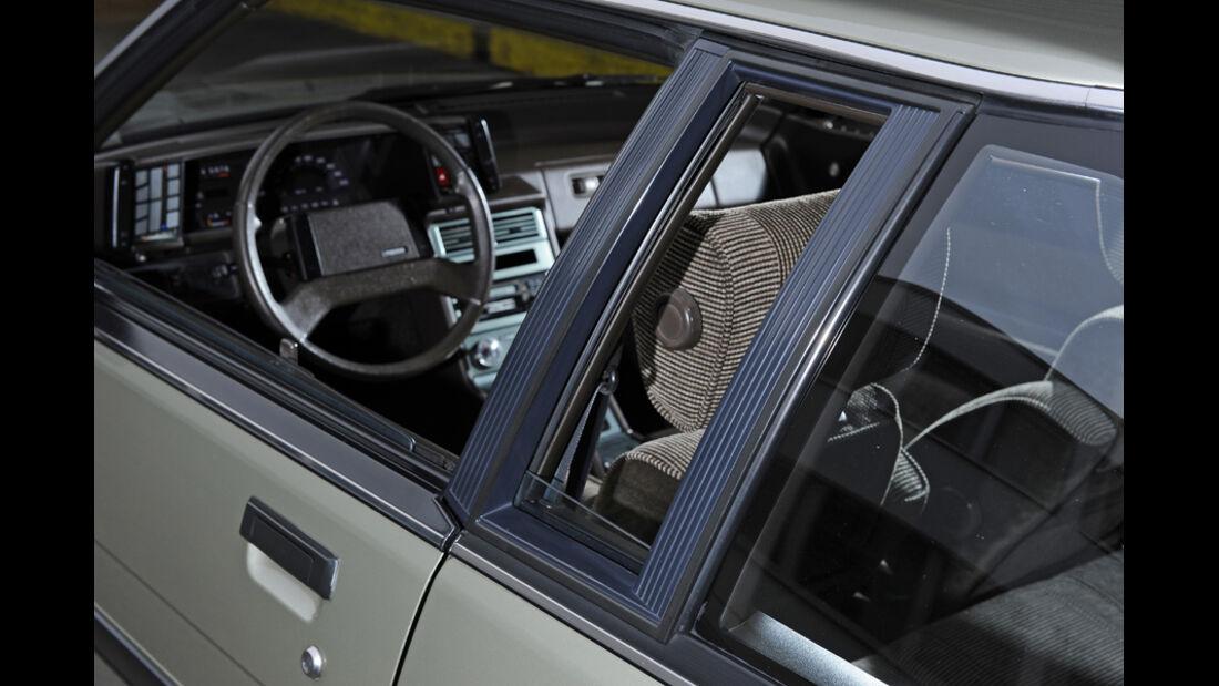 Mazda 929 Coupe, Cockpit, Lenkrad, Deteil
