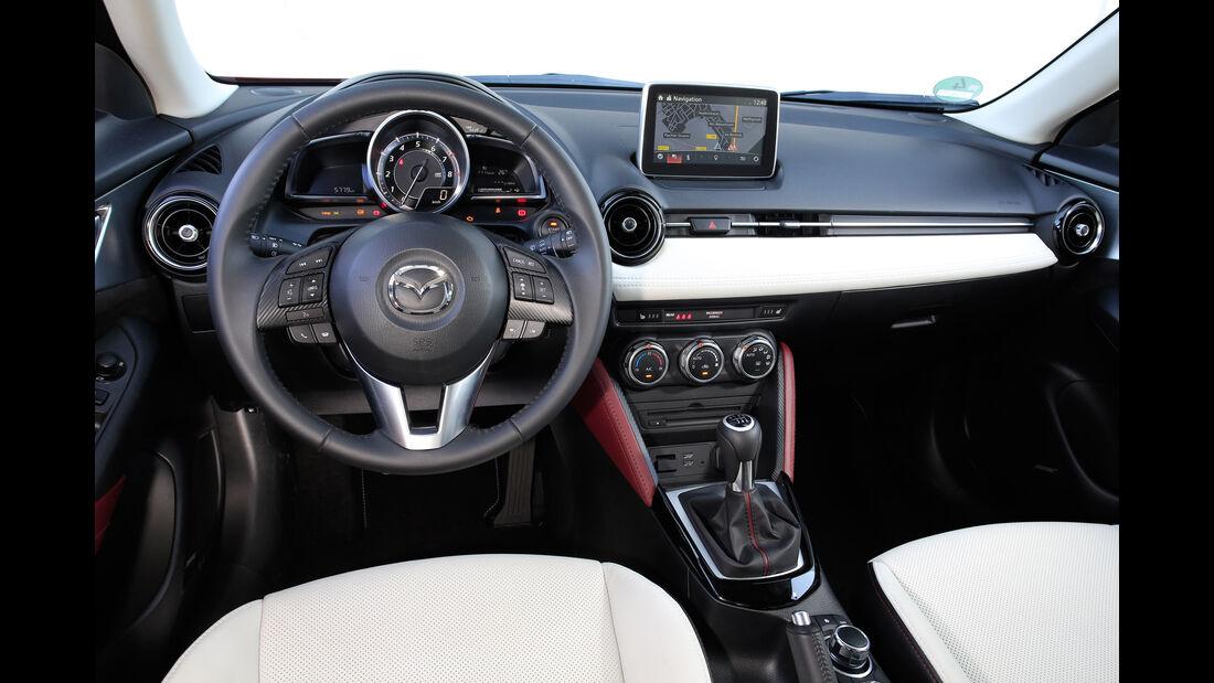 Mazda CX-3 G 150 AWD, Cockpit