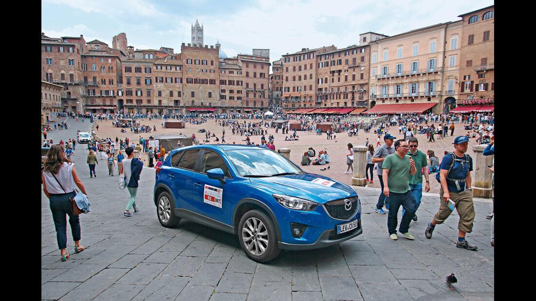 Mazda CX-5 2.2 D, Piazza del Campo, Siena