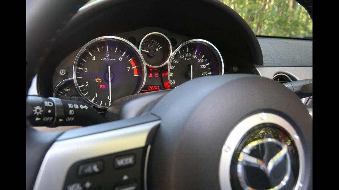 Mazda MX-5 1.8, Detail, Tacho, Anzeigeinstrumente