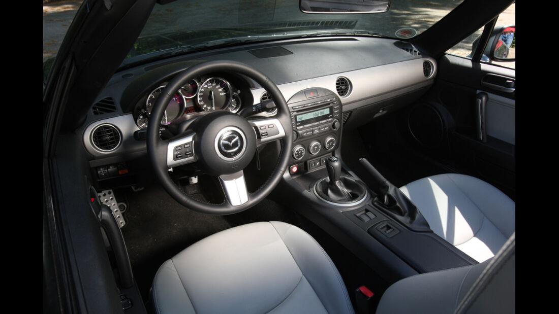 Mazda MX-5 1.8, Lenkrad, Cockpit