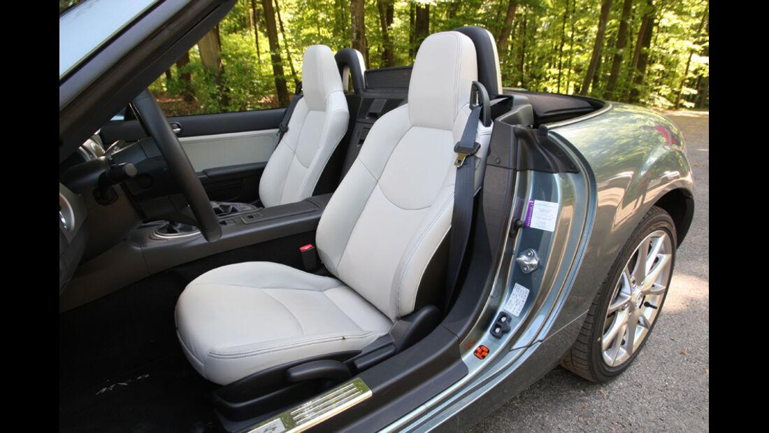 Mazda MX-5 1.8, Vordersitze, Tür offen