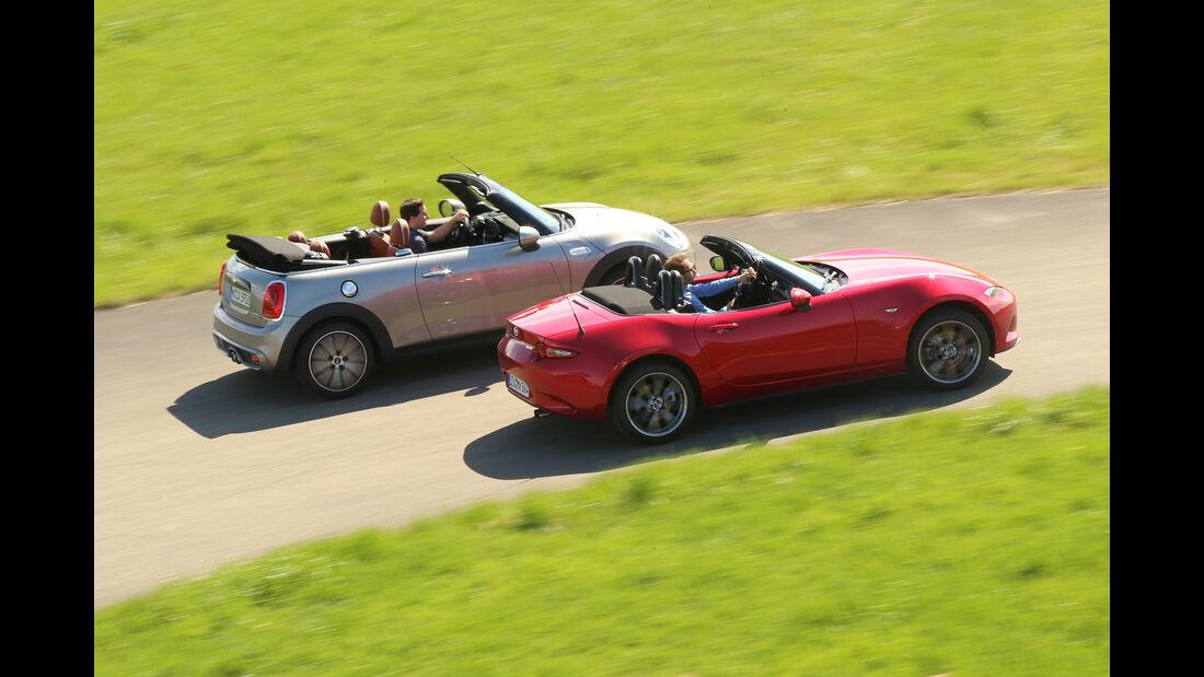 Mazda MX-5 G 160, Mini Cooper S Cabrio, Seitenansicht