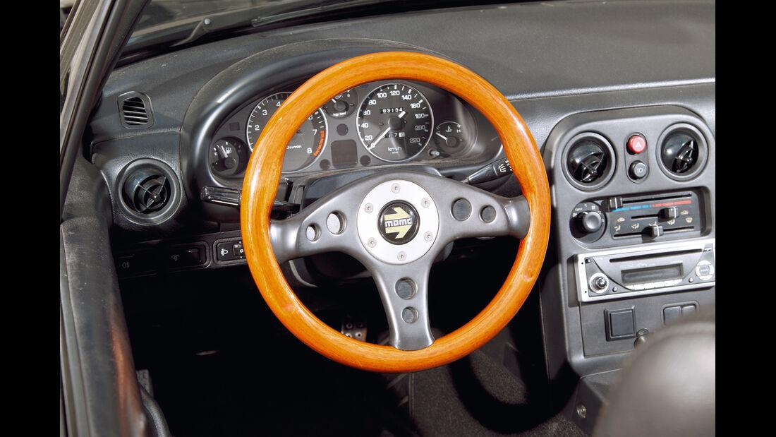 Mazda MX-5, Lenkrad, Cockpit