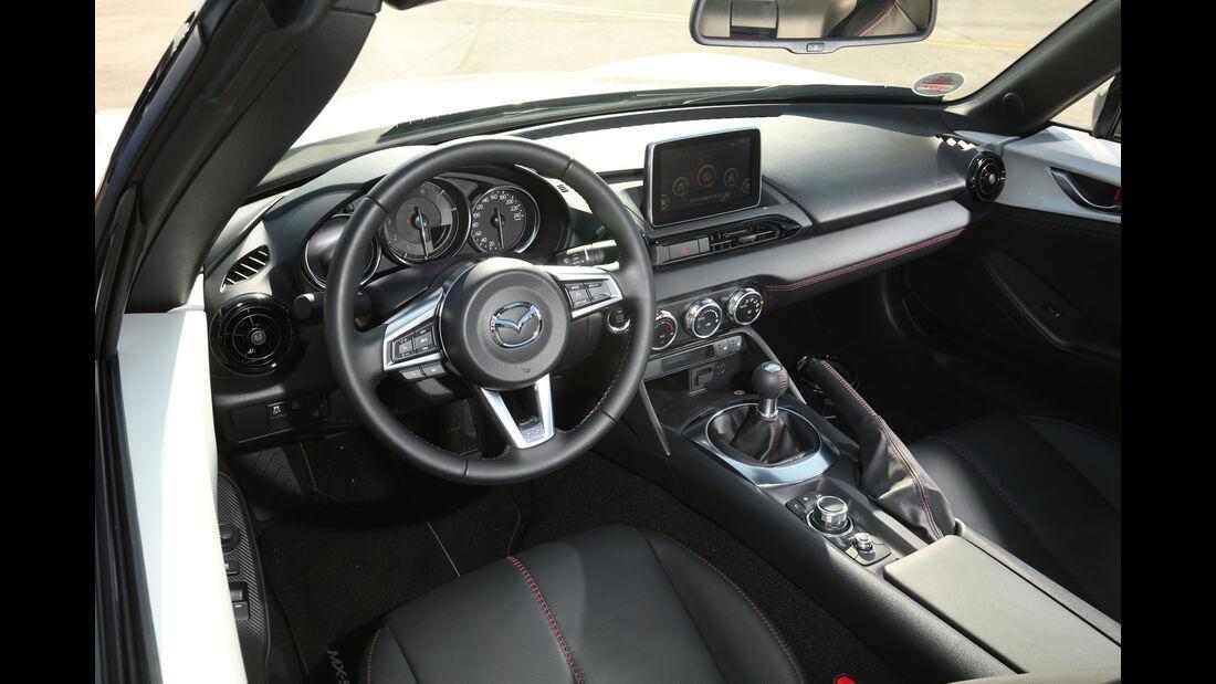 Mazda MX-5 Skyactiv-G 131, Cockpit