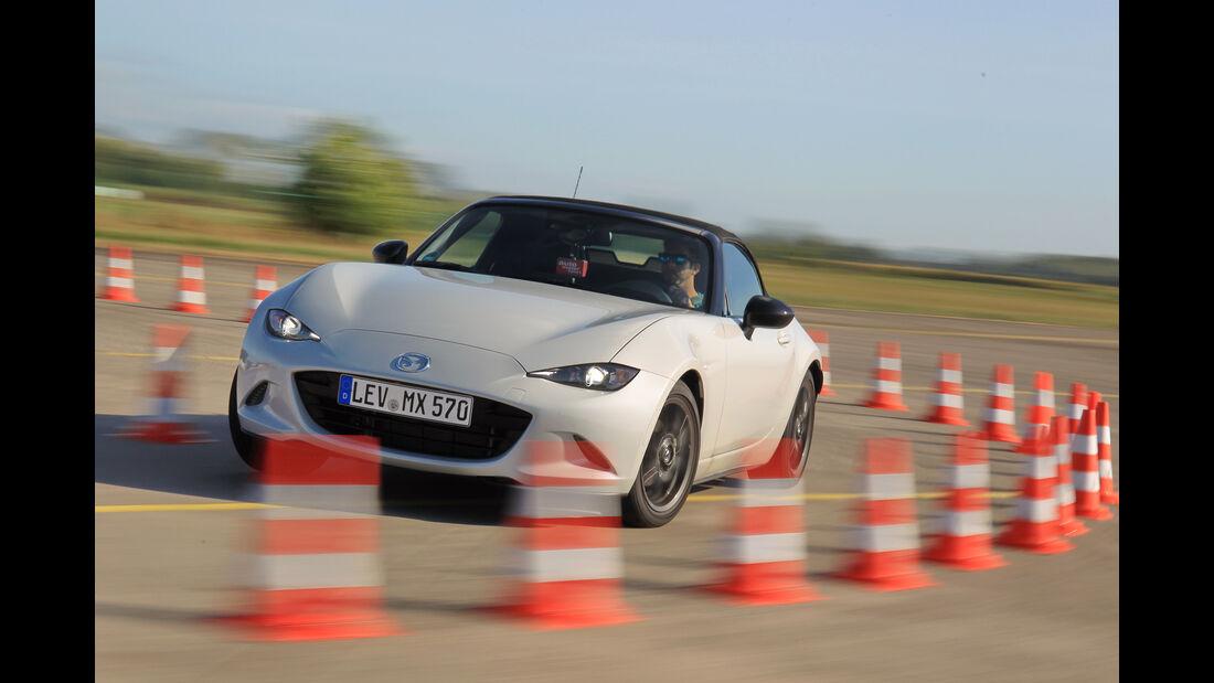 Mazda MX-5 Skyactiv-G 131, Frontansicht, Kurvenfahrt