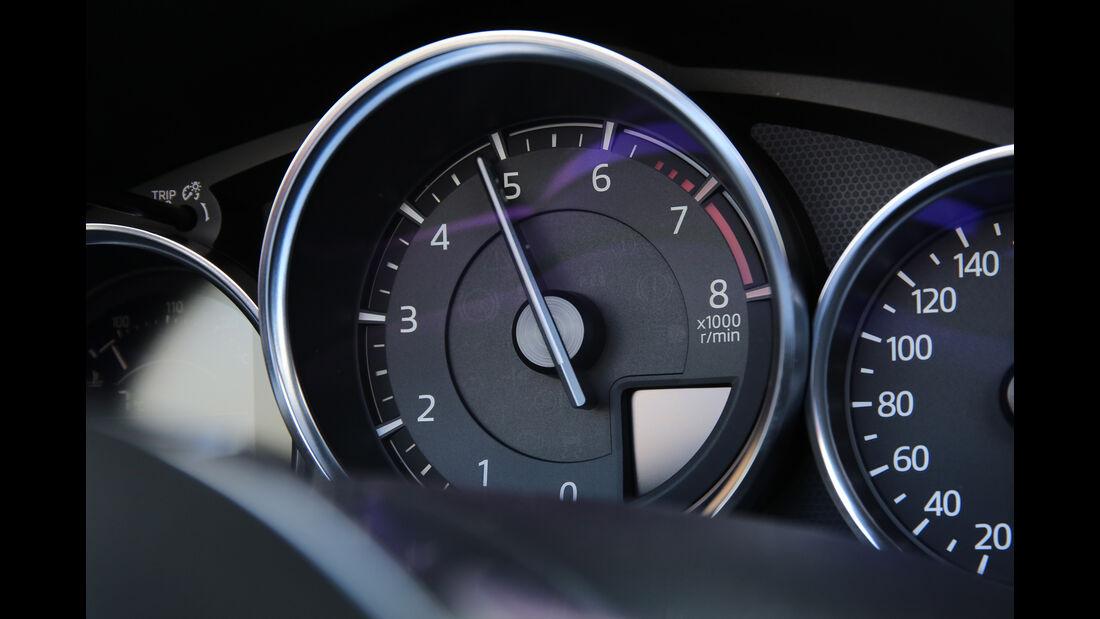 Mazda MX-5 Skyactiv-G 160, Anzeigeinstrument