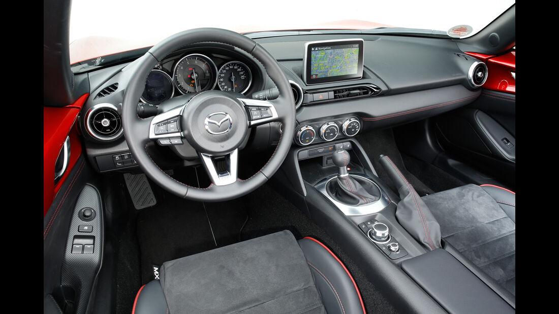 Mazda MX-5 Skyaktiv-G 160, Cockpit