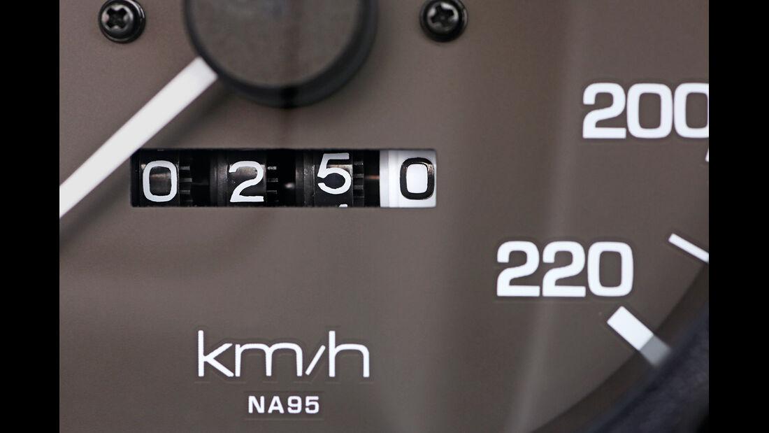 Mazda MX-5, Tacho