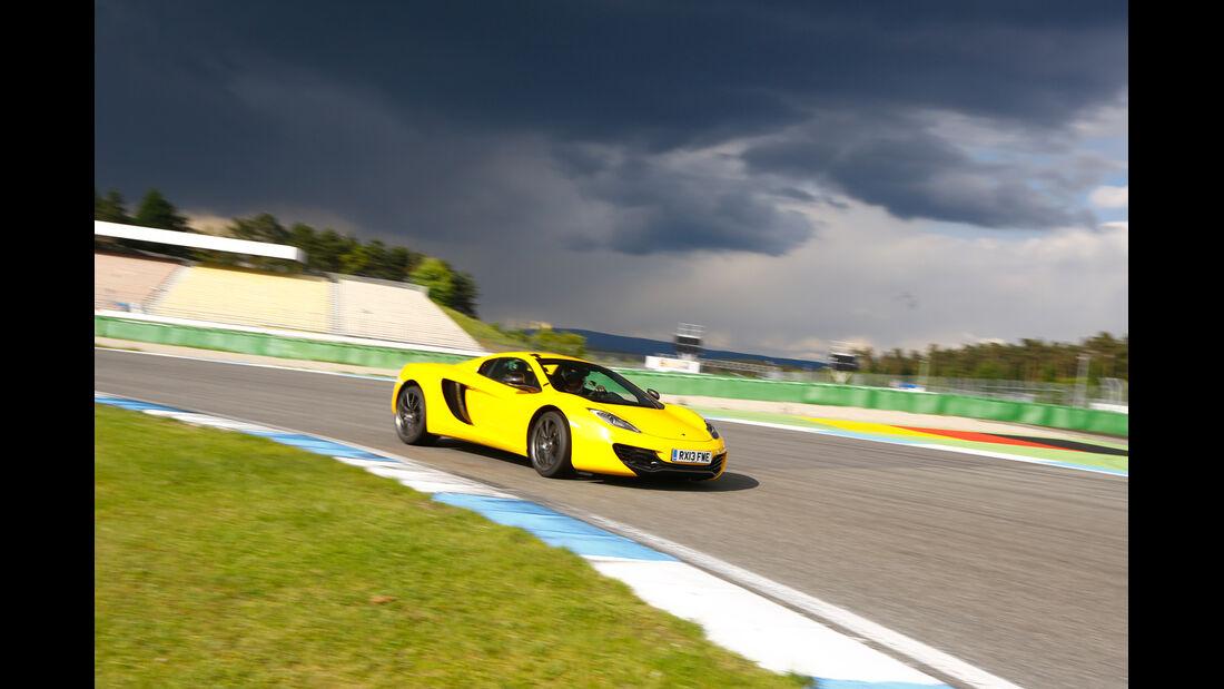 McLaren 12C Spider, Kurvenfahrt