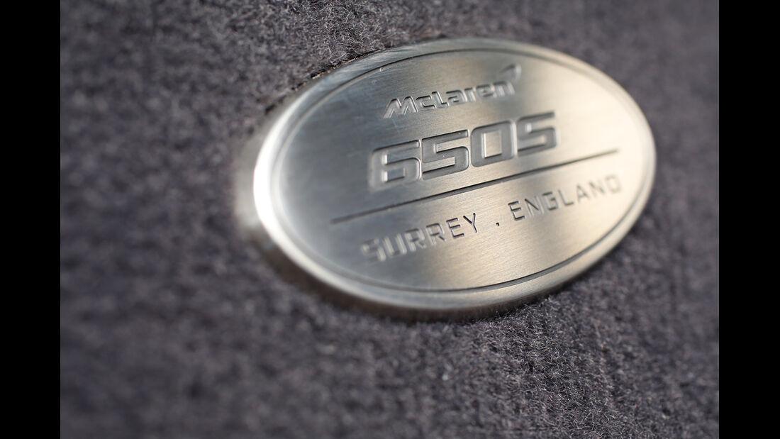 McLaren 650S Spider, Firmenemblem