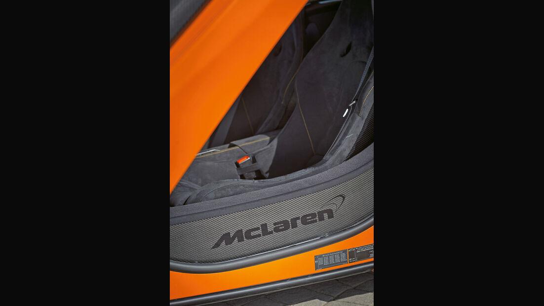 McLaren 650S Spider, Fußleiste