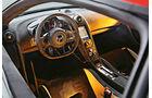 McLaren 675LT, Cockpit