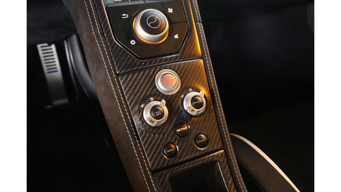 McLaren 675LT, Mittelkonsole