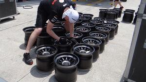 McLaren - Formel 1 - GP Malaysia - 20. März 201