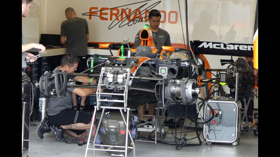 McLaren-Honda - Formel 1 - GP Aserbaidschan 2017 - Baku - Donnerstag - 22.6.2017
