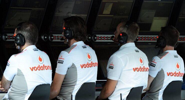 McLaren Kommandostand - Formel 1 - GP Abu Dhabi - 03. November 2012