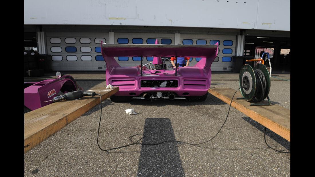 McLaren M8F, Boxenstopp