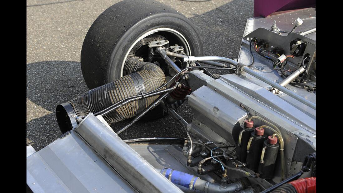 McLaren M8F, Monocoque, Detail