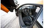 McLaren MP4-12C, Cockpit