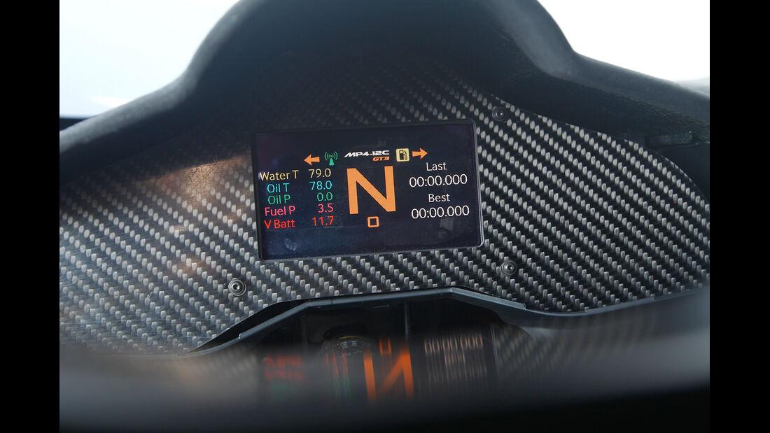 McLaren MP4-12C GT3, Display, Monitor