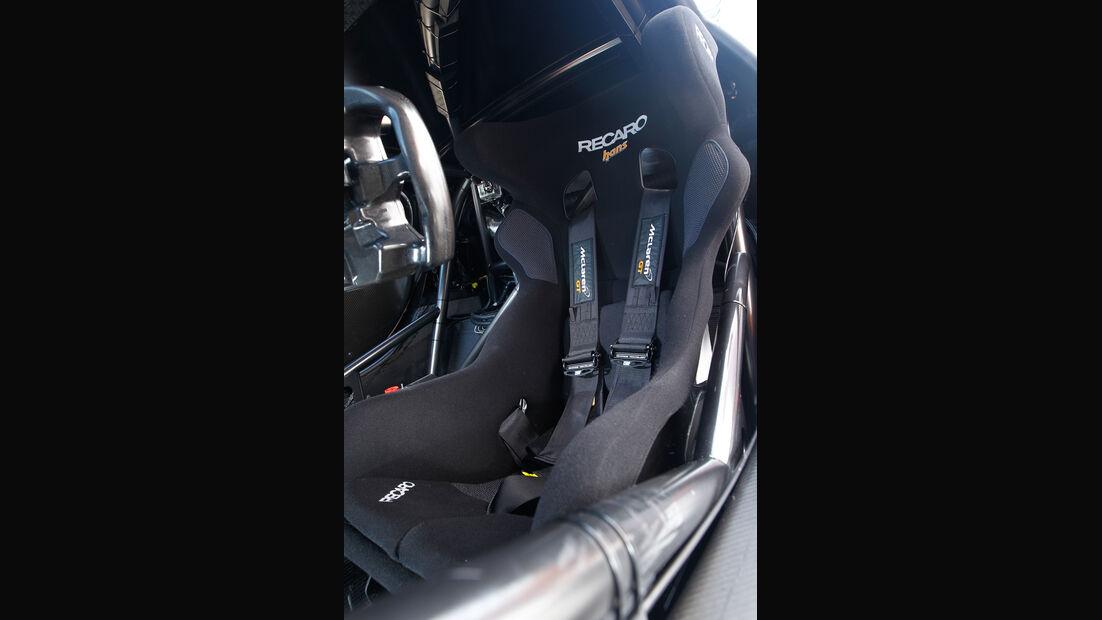 McLaren MP4-12C GT3, Fahrersitz