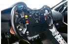 McLaren MP4-12C GT3, Lenkrad, Cockpit