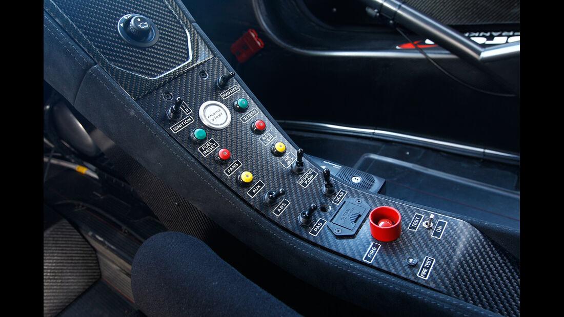 McLaren MP4-12C GT3, Mittelkonsole