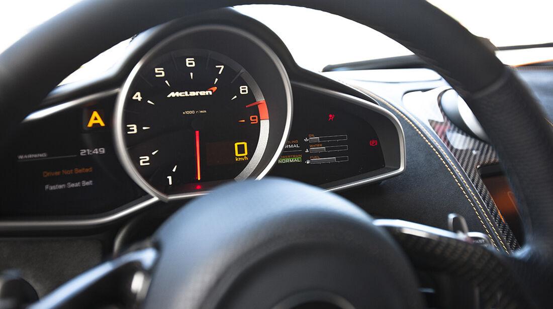 McLaren MP4-12C, Innenraum, Cockpit, Tacho