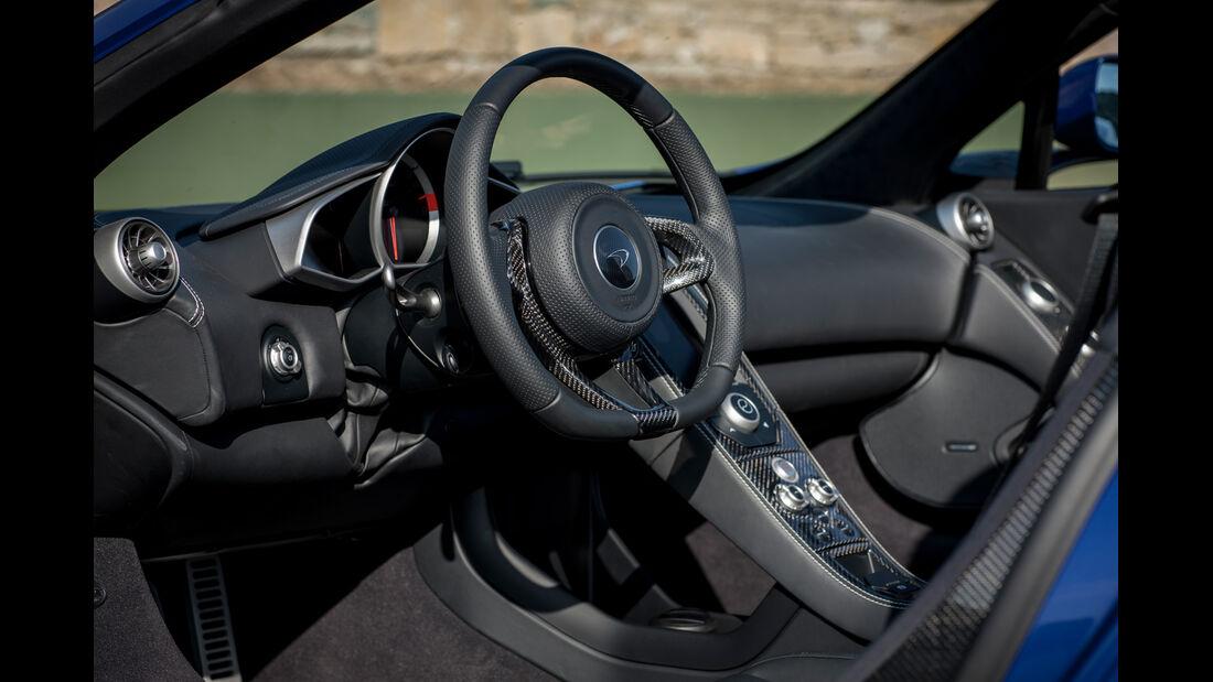 McLaren MP4-12C Spider, Cockpit, Lenkrad