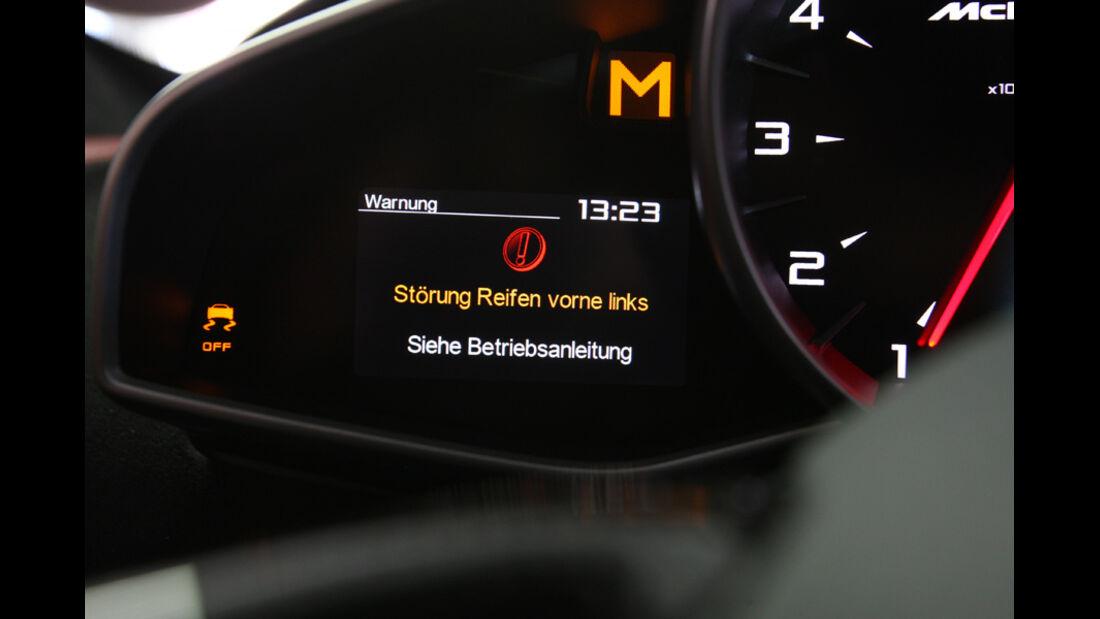 McLaren MP4-12C, Störung, Anzeige