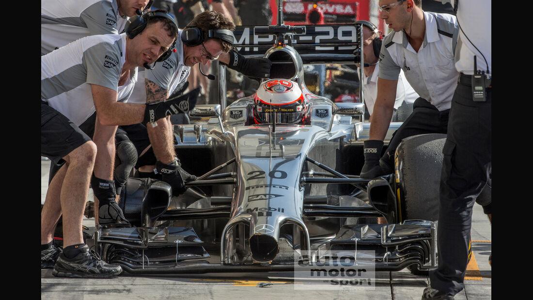 McLaren Nase - Crash - Formel 1 - Test - Bahrain - 2014
