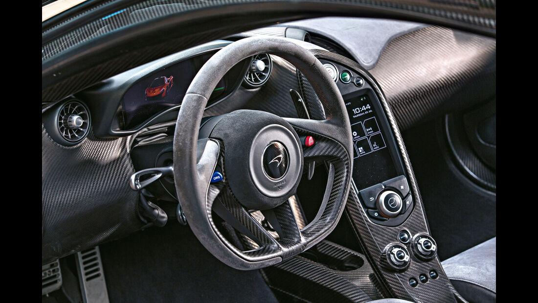 McLaren P1, Mittelkonsole