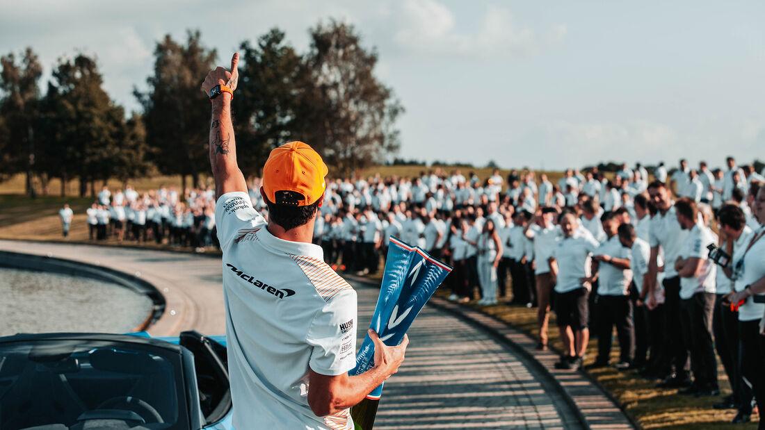 McLaren-Party - Woking - Monza-Sieg 2021