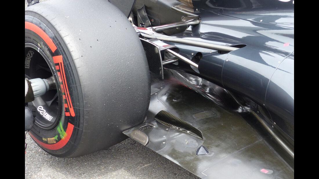McLaren - Technik - Unterboden-Schlitze - Formel 1 - 2015