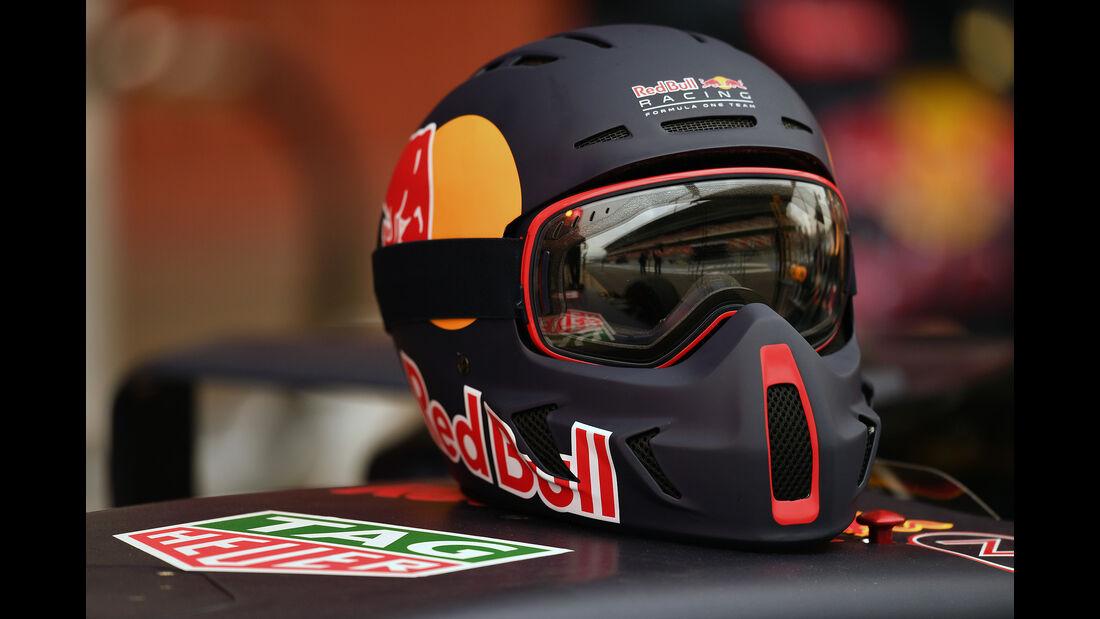 Mechaniker-Helme - Red Bull - F1 - 2016