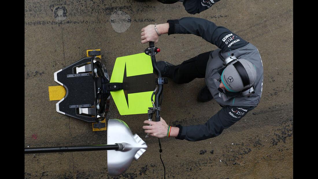 Mechaniker, Mercedes, Formel 1-Test, Barcelona, 01. März 2013
